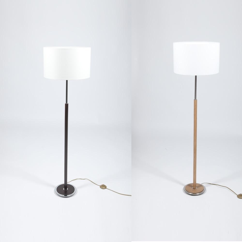 Klassische Stehleuchte - Mit Stofflampenschirm und Holzfuß