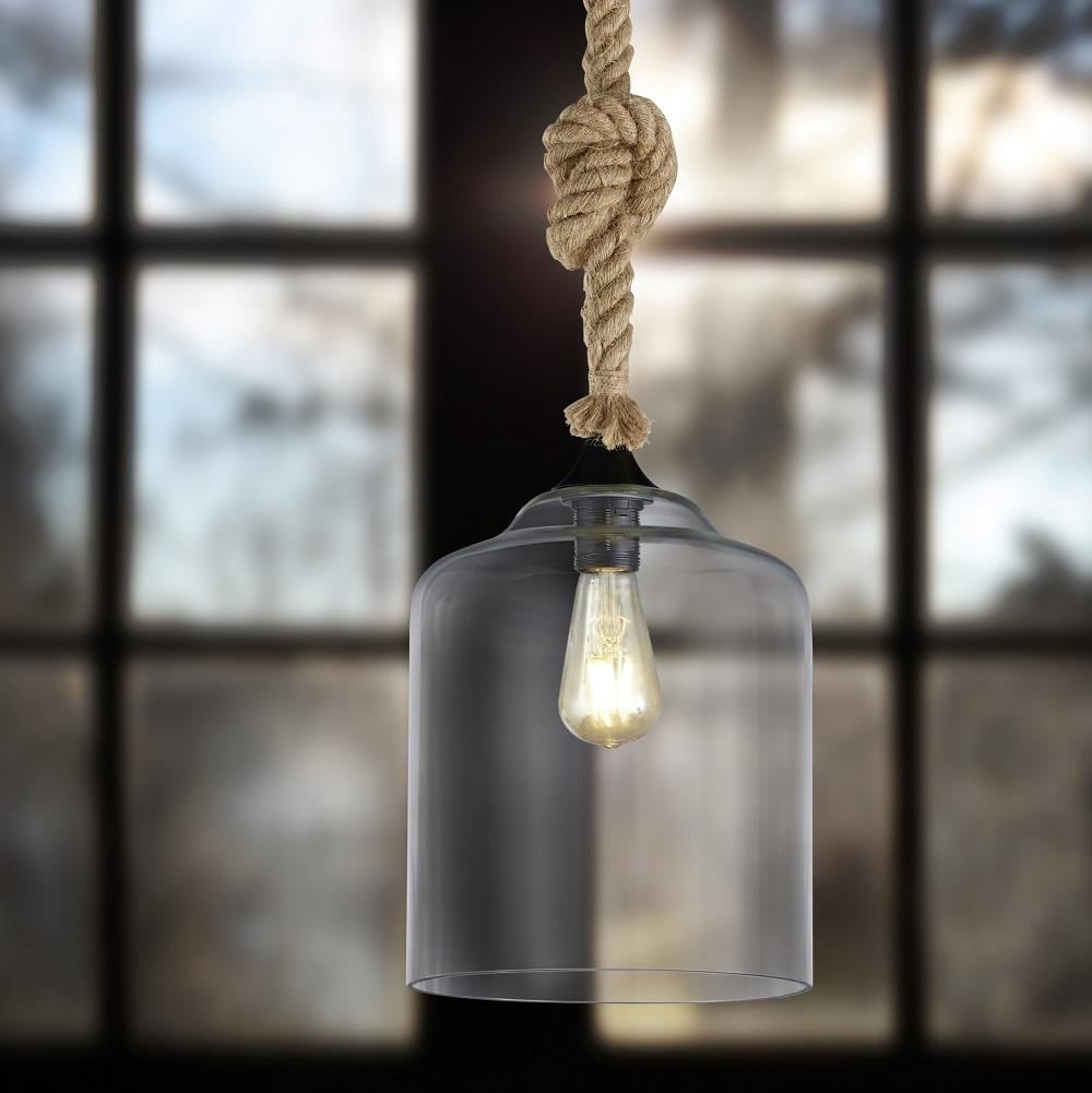 Glas-Pendelleuchten im Industrial Design mit Tau als Aufhängung