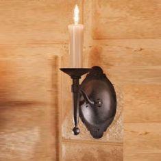 1-flammige Wandleuchte aus Schmiedeeisen - wertvolle Handarbeit