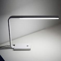 Büro LED-Tischleuchte in Schwarz oder Weiß - 3000 Kelvin