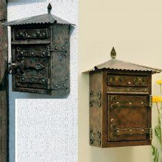 Handgeschmiedeter Briefkasten mit veredelter Oberfläche - Patina und Sonderanfertigung