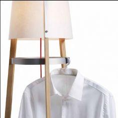 Domus Design-Stehleuchte / Garderobe, Echtholz