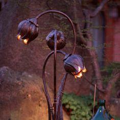 Gartenleuchte in Blütenform aus Schmiedeeisen  3 flammig