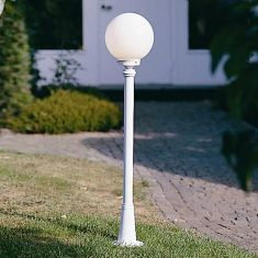 Klassische Wegeleuchte in weiß mit Opalglas - Höhe 120cm