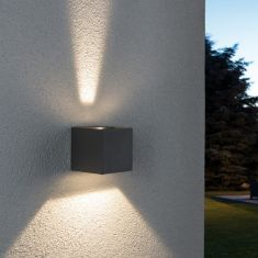 LED-Außenwandleuchte Line Cubo in grau