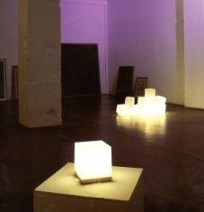 Moderne Design- Tischleuchte - mit Piktogrammen - Exklusive Leuchtmittel