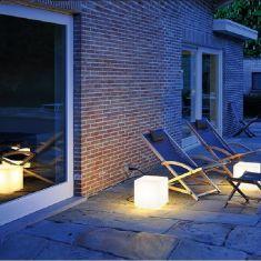 Outdoor-Leuchte, Design in seiner einfachsten Form als gelungende Lichtidee!