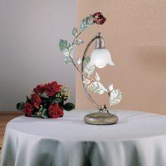 romantische Tischleuchte mit Rosenschmuck und Alabasterglas