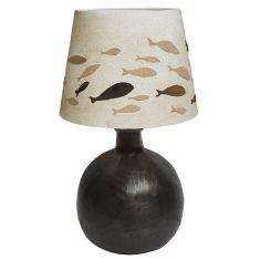 Sandmotiv Tischlampe mit  Internationaler Fischschwarm Metallfuß schwarz-antik