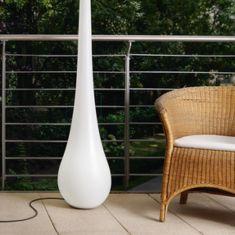 Standleuchte Stand-Up,  skulptural und überdimensional - Outdoor Variante