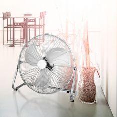 Standventilator in Chrom mit Blättern aus Aluminium 43,5cm hoch, inklusive LED Taschenlampe