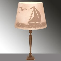 Tischlampe mit Sandmotiv Einsamer Segler mit Möwen