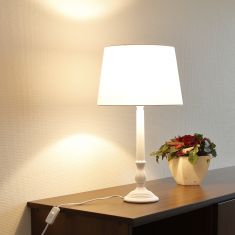 Tischlampe weiß mit Stoffschirm