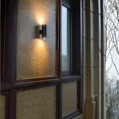 Wandleuchte für den Außenbereich mit Up and Down Lichtaustritt LED