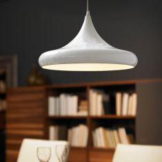 Weiße Pendelleuchte aus glänzendem Stahl im modernen Design