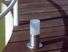 Zierliche Pollerleuchte aus Edelstahl, hochwertige Verarbeitung , 2 Größen wählbar