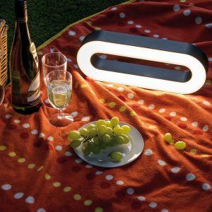 Akkubetriebene LED-Tischleuchte oval  Lichtdauer bis zu 6 Stunden IP44 warmweiß USB-Port