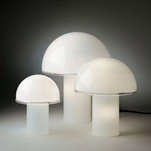Artemide Onfale Tavolo 3 Größen, mundgeblasenes Opalglas