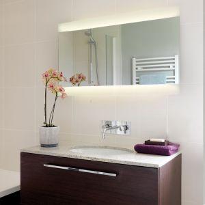 Beleuchteter Spiegel, indirekter Lichtaustritt - 2 Längen