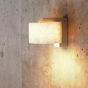 Designer Wandleuchte Reef mit Lampenschirm aus weißem Keramikschaum - in Alu gebürstet gebürstet
