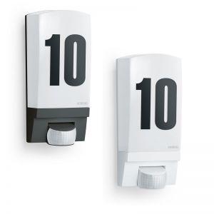 Hausnummernleuchte aus bruchsicherem Kunststoff - inklusive Klebenummern - erhältlich in zwei Farben