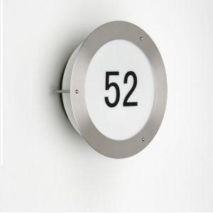 Hausnummernleuchte aus Edelstahl mit stabilem Vollglaskörper