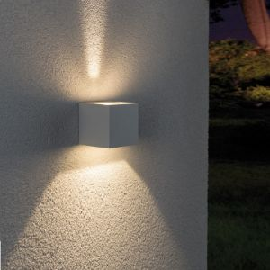 LED-Außenwandleuchte Line Cubo in weiß
