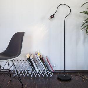 Serien-Lighting 1-flammige Stehleuchte Poppy - schwarz