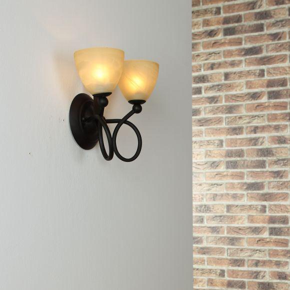 2-flammige Wandleuchte im Landhausstil -- inklusive Leuchtmittel