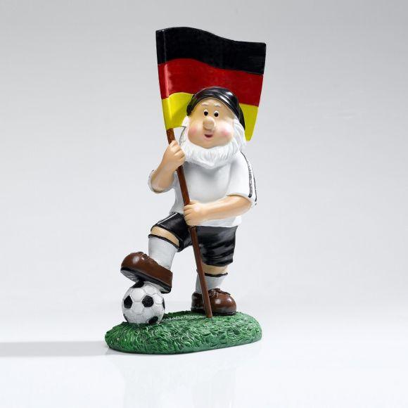 Dekorativer Gartenzwerg mit Fußball Fahne