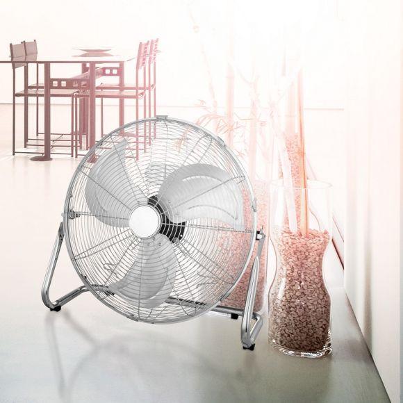 LHG Standventilator in Chrom mit Blättern aus Aluminium 43,5cm hoch, inklusive LED Taschenlampe