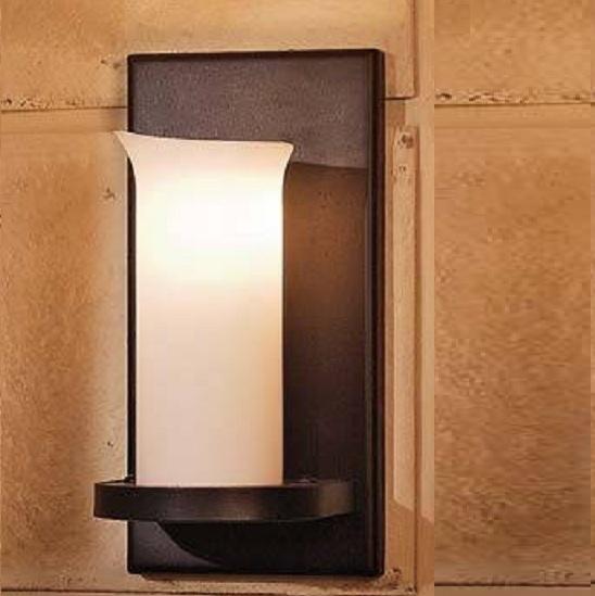 wandleuchte im landhausstil aus schmiedeeisen wohnlicht. Black Bedroom Furniture Sets. Home Design Ideas