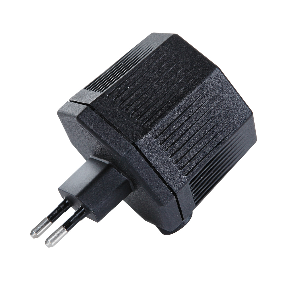 Steckertrafo IP24 schwarz mit LS-Buchse , 20VA, Abmessungen 80 x 55x 48mm Vorschaltgerät Neu