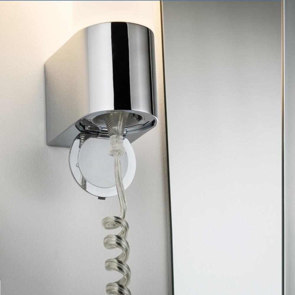 LED Badezimmer Wandleuchte Elektra mit Steckdose | WOHNLICHT