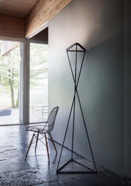 Dimmbare LED Standleuchte Tango von Luceplan, LED 35Watt warmweiß, 3120lm