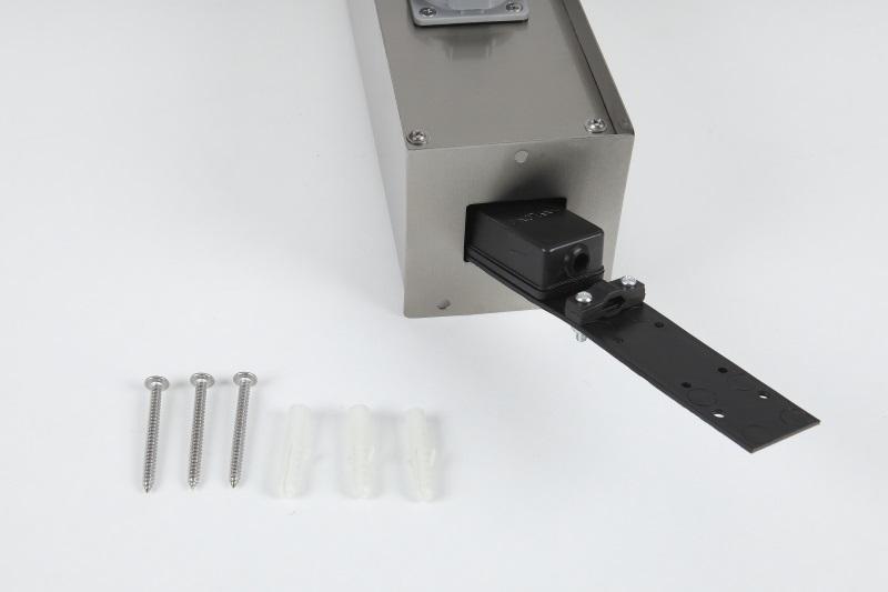 LHG Steckdosensäule mit Flachdach aus Edelstahl mit 3 Schukosteckdosen