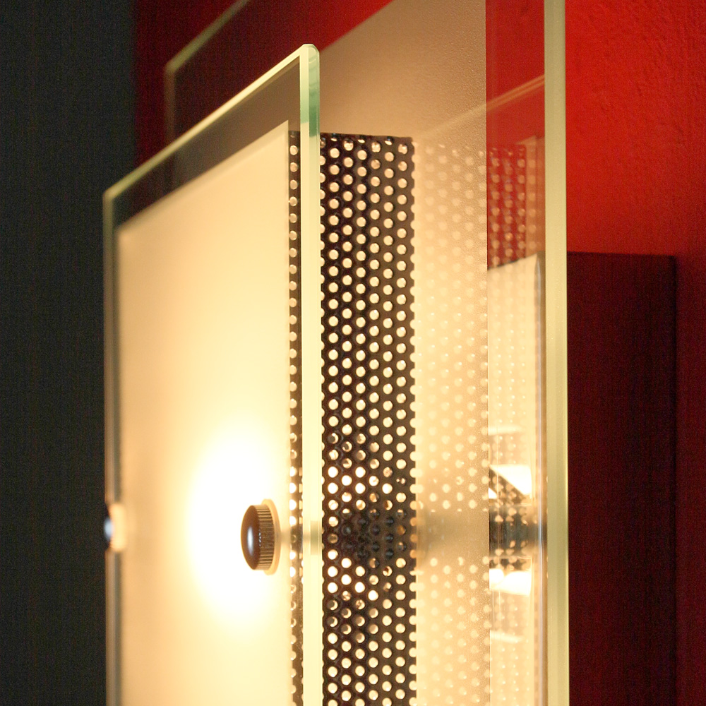LHG Wand- und Deckenleuchte mit teilsatinierten Glasplatten, inklusive Leuchtmittel