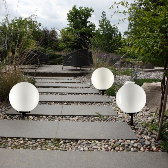LHG Kugelleuchten 3er Set 3x 40cm für Außen mit Erdspieß, inkl. E27 LED warmweiß, Garten Kugellampen aus weißem Kunststoff, IP44 Outdoor geeignet, E27 Fassung