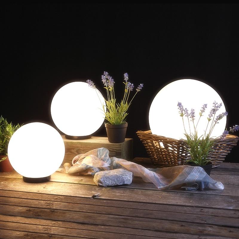 3er set kugelleuchten 2x 20 cm und 1x 30 cm kugel mit led wohnlicht. Black Bedroom Furniture Sets. Home Design Ideas