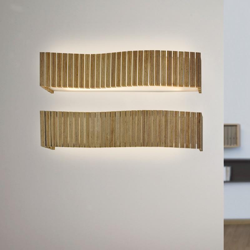 arturo alvarez wandleuchte uxi 3 holzfarben w hlbar wohnlicht. Black Bedroom Furniture Sets. Home Design Ideas