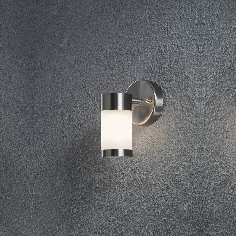aussenwandleuchte aus edelstahl mit gefrostetem glas wohnlicht. Black Bedroom Furniture Sets. Home Design Ideas