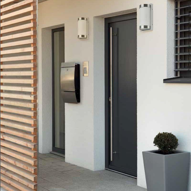 mit bewegungsmelder au enwandleuchte aus hochwertigem edelstahl und opalglas ip44 wohnlicht. Black Bedroom Furniture Sets. Home Design Ideas