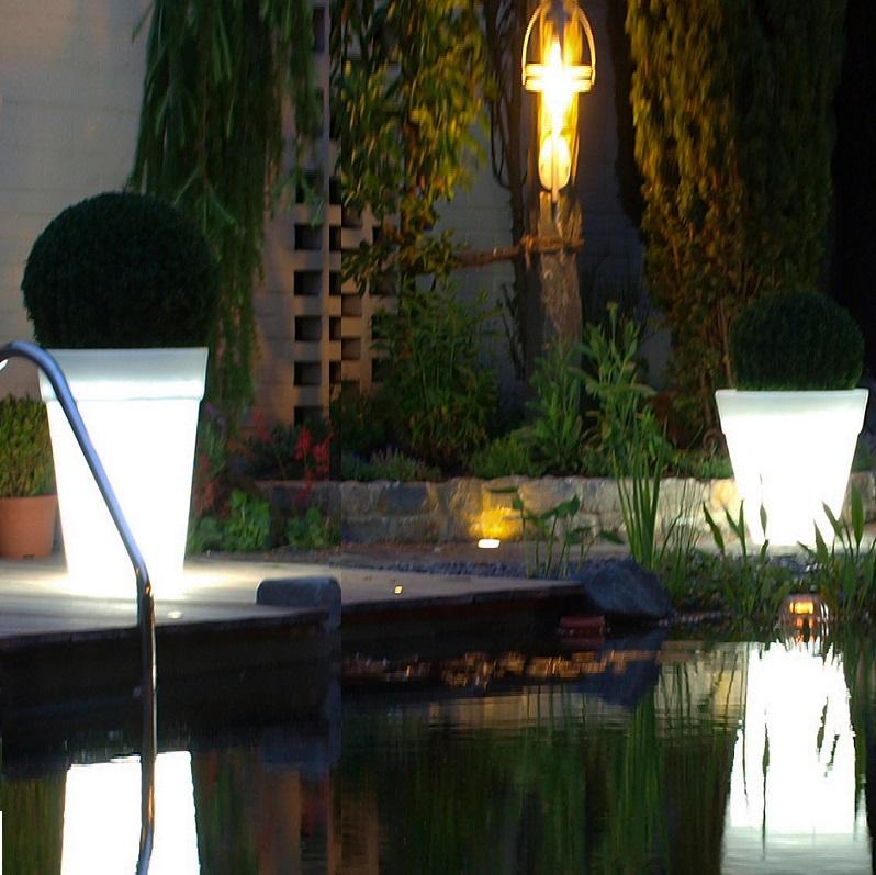 shining pot beleuchteter blumentopf wohnlicht. Black Bedroom Furniture Sets. Home Design Ideas