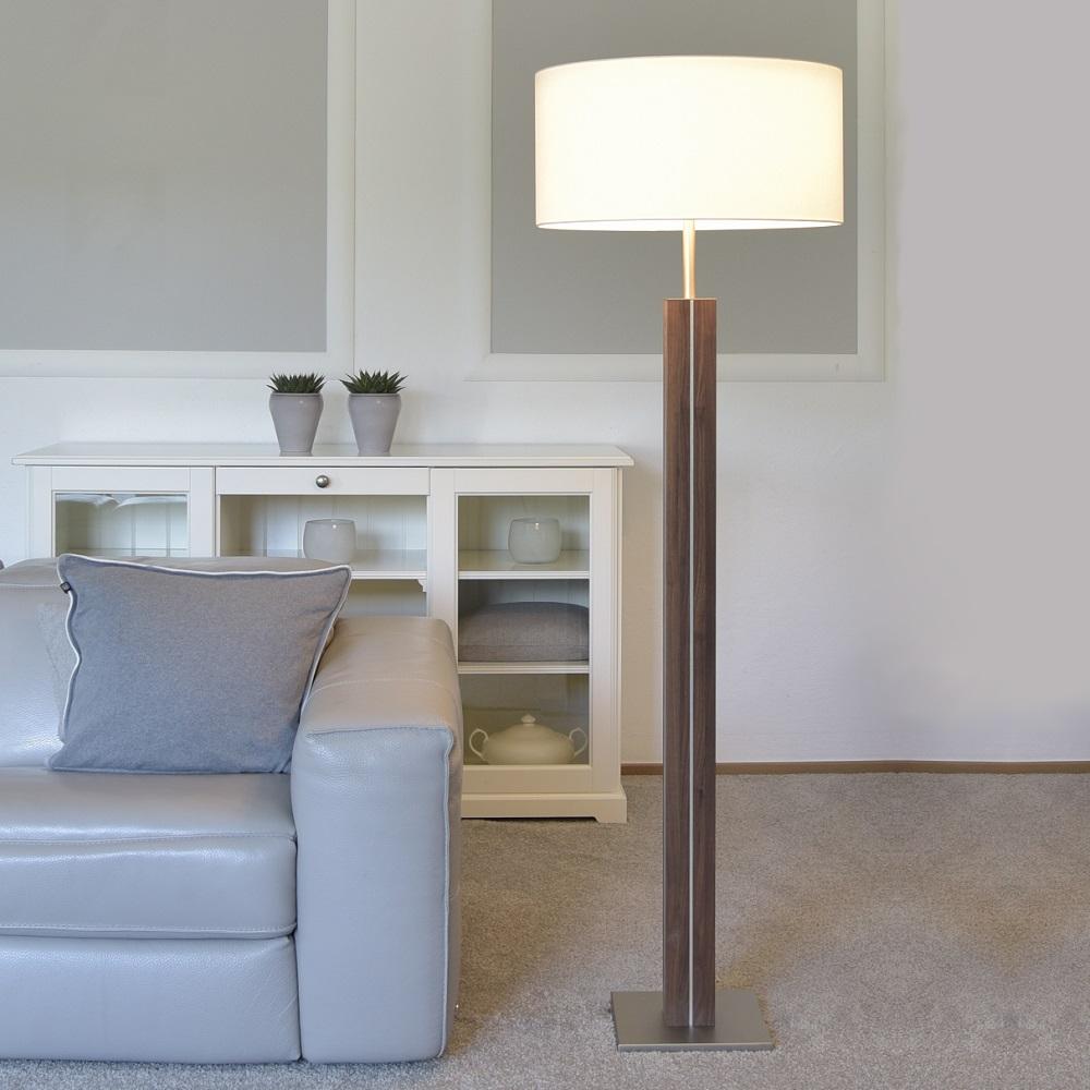 stehleuchte dana von herzblut mit holz wohnlicht. Black Bedroom Furniture Sets. Home Design Ideas