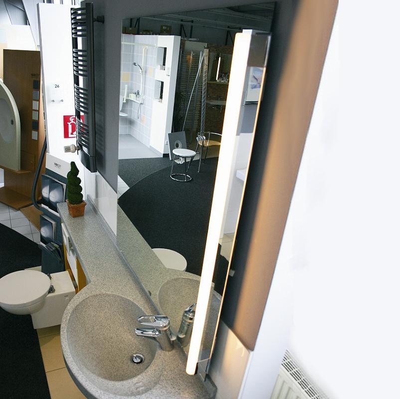 top light lichtstange als spiegelklemmleuchte 2 oberfl chen wohnlicht. Black Bedroom Furniture Sets. Home Design Ideas