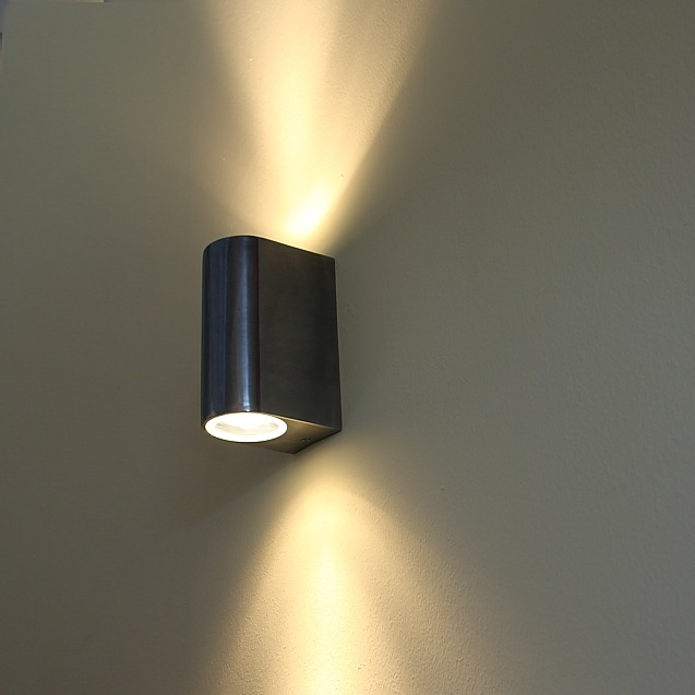 wandleuchte aluminium mit up downlight inklusive gu10 2 x. Black Bedroom Furniture Sets. Home Design Ideas
