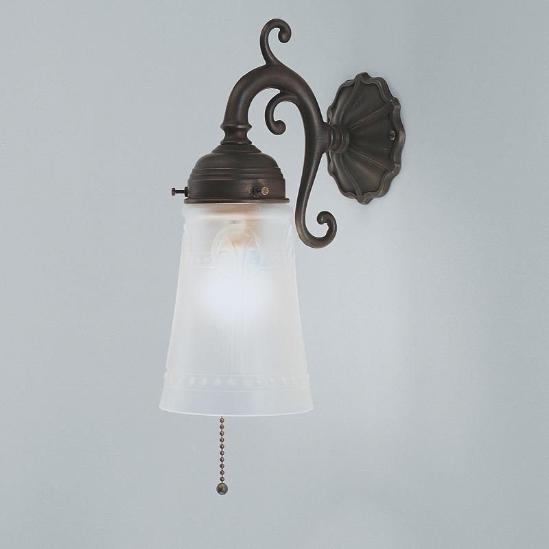 wandleuchte in messing antik mit zugschalter und. Black Bedroom Furniture Sets. Home Design Ideas