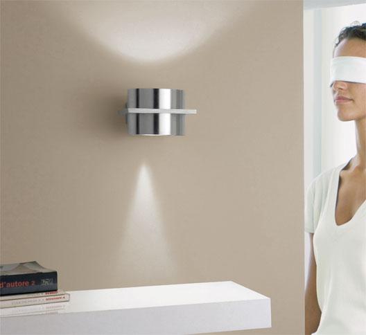 wandleuchte mit lichtaustritt oben und unten 1 flammig wohnlicht. Black Bedroom Furniture Sets. Home Design Ideas